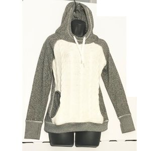 Studio Hooded Sweater Small Cable Knit Front Gray